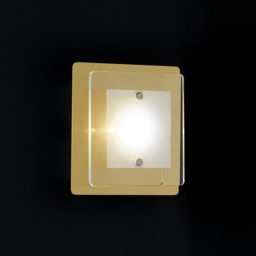 LED Lampe in Messing moderne Beleuchtung im Wohnraum